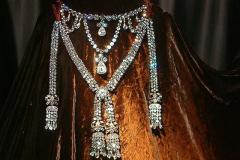 Kuningatar Marie Antoinetten kaulakoru (jäljennös).